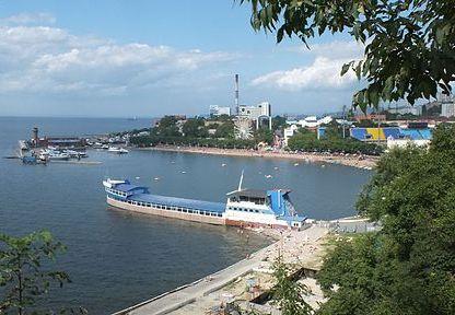 1024px-Панорама_Амурского_залива1.jpg