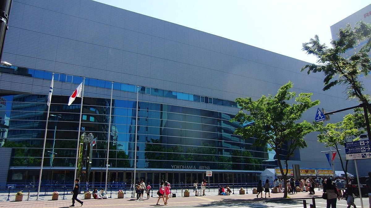 Yokohama_Arena_2013.jpg.56524ede59abb264da63afa900b95a0d.jpg