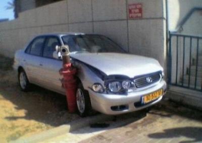 1287365484_women_cars_30.jpg