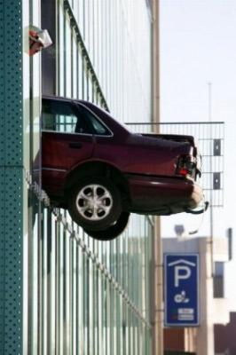 1287365515_women_cars_27.jpg